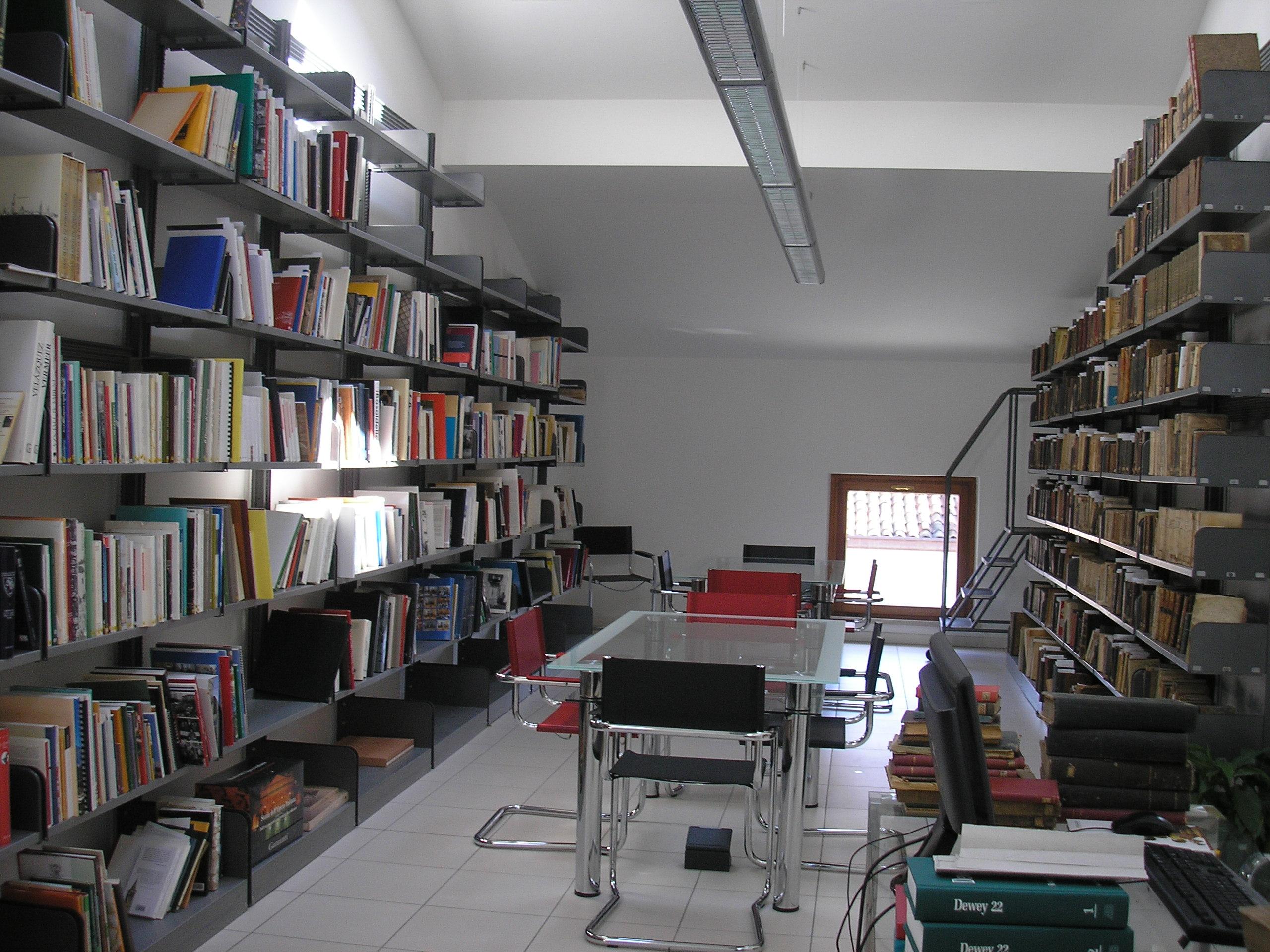 Biblioteca del SOMSI APS Associazione Storica Società Operaia di Mutuo Soccorso ed Istruzione