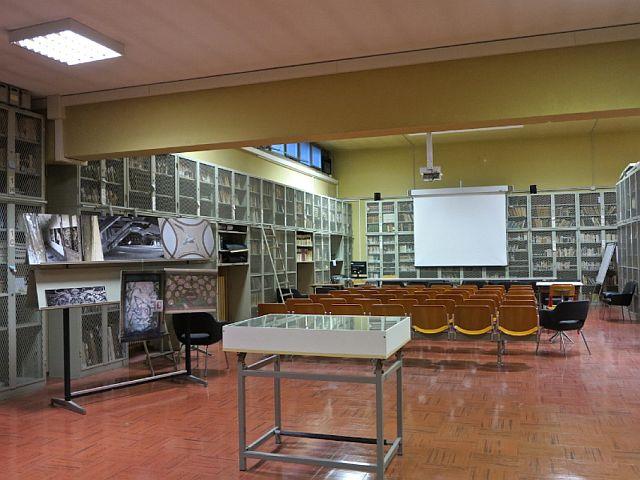 Biblioteca dell'Istituto Tecnico Statale del Settore Tecnologico